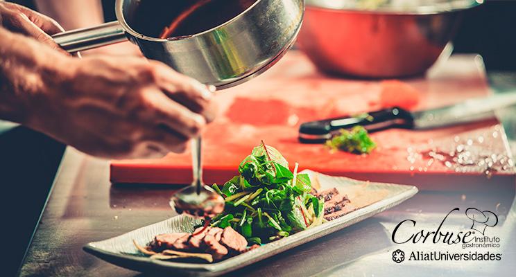 ¿Cómo puedo ser un chef con experiencia en cocina internacional?