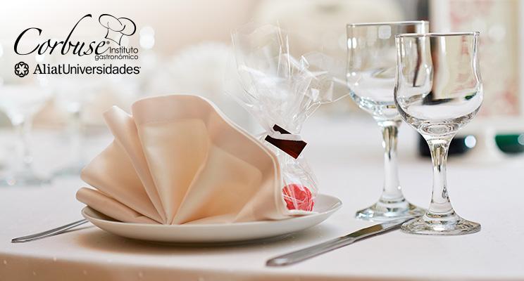 11 tips para vestir una mesa en una cena de gala
