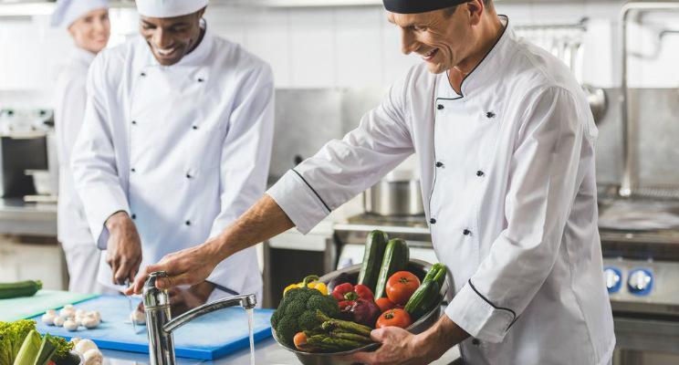 Conoce 7 chefs famosos en el mundo