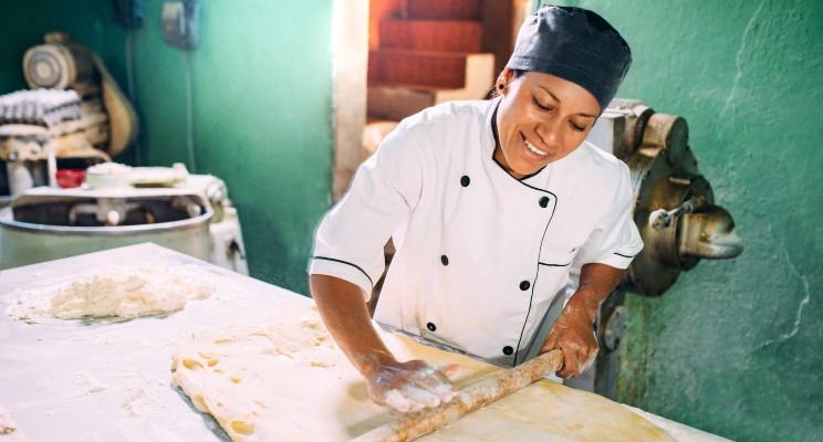 Estudiar Panadería vs. Pastelería: ¿cuál me conviene más?